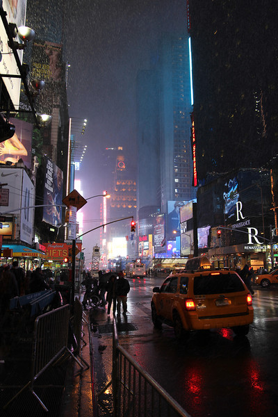 12/29/2012 - Heavy snow in Times Square