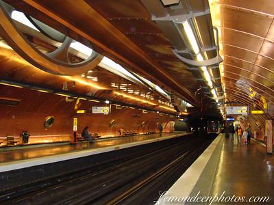 Les Plus Belles et Atypiques Stations du métro Parisien