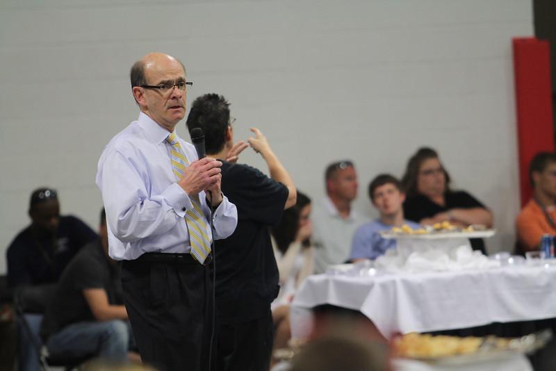 President Bonner addresses perspective studen