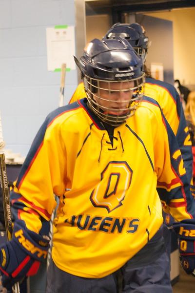20130310 QWHockeyvsUBC 115.jpg