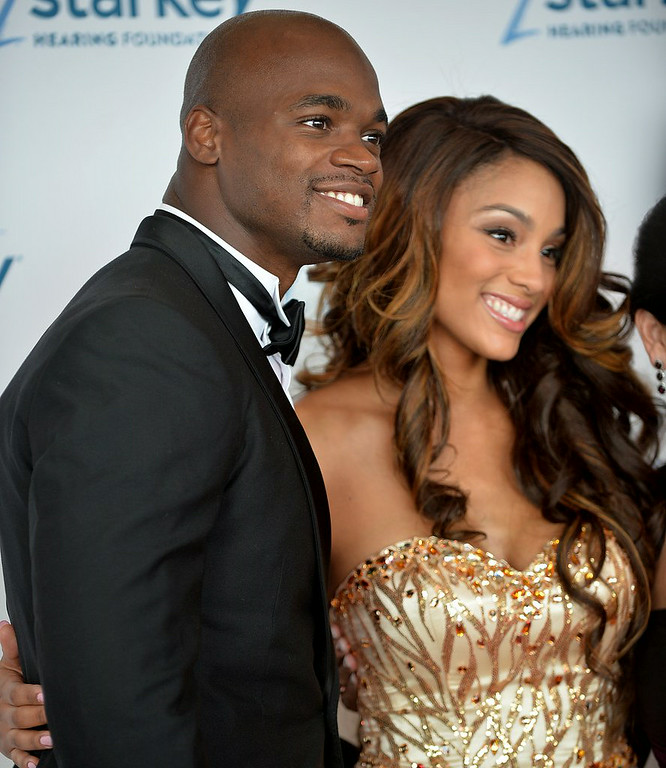 ". <p><b> Fans of the Vikings� Adrian Peterson were surprised to learn this week that he has � </b> </p><p> A. Married his longtime girlfriend </p><p> B. Begun dating a new girlfriend </p><p> C. A 25-year-old daughter </p><p><b><a href=""http://www.twincities.com/portal/vikings/ci_26188361/adrian-peterson-married-longtime-girlfriend-has-ring-new?_loopback=1\"" target=\""_blank\"">LINK</a></b> </p><p>    (Pioneer Press: Sherri LaRose-Chiglo)</p>"