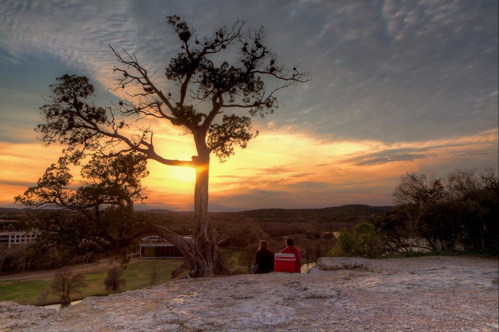 IMAGE: http://alfredomora.smugmug.com/Landscapes/General-Landscapes/i-262wHJP/0/XL/20120204-Austiin-Loop-360-XL.jpg
