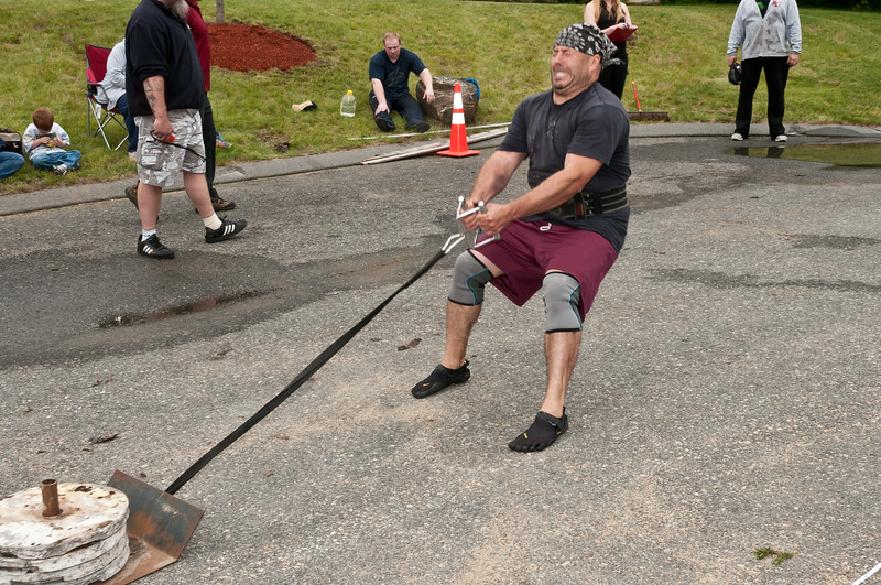 Fitness Revolution Strongman Challenge 2011_ERF4320.jpg