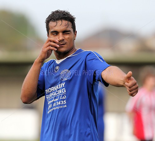 CHIPPENHAM PARK V WHITCHURCH UNITED FC MATCH PICTURES 5th OCTOBER 2014