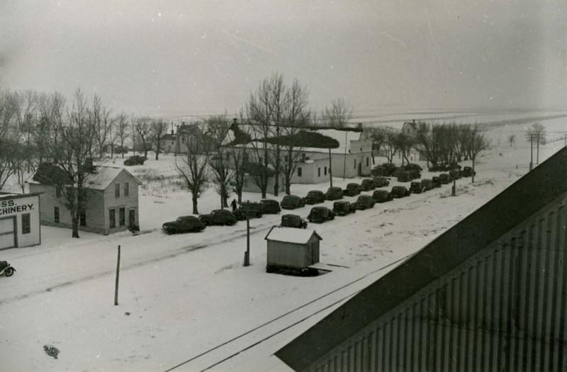 JA075.  Cars on street - Arthur‡ - 1939‡ .jpg