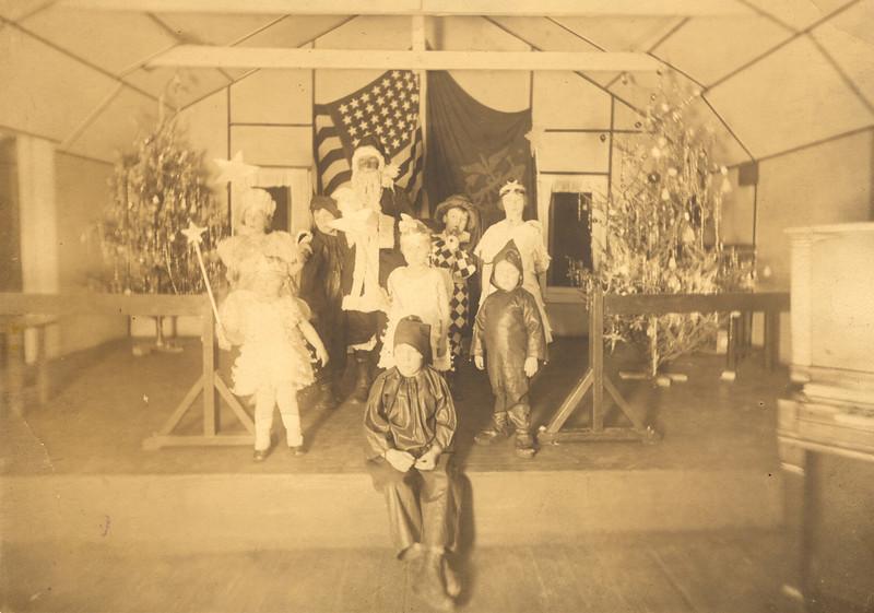 1924 Christmas 1924 Kids.jpg