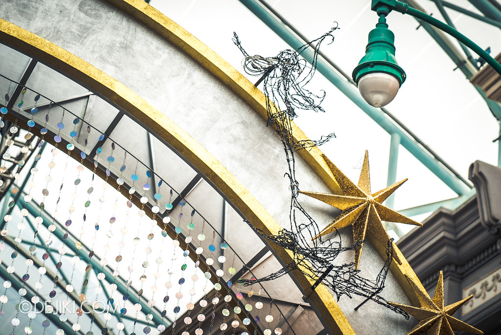 Universal Studios Singapore Park Update November 2017 - New York archway stars closeup