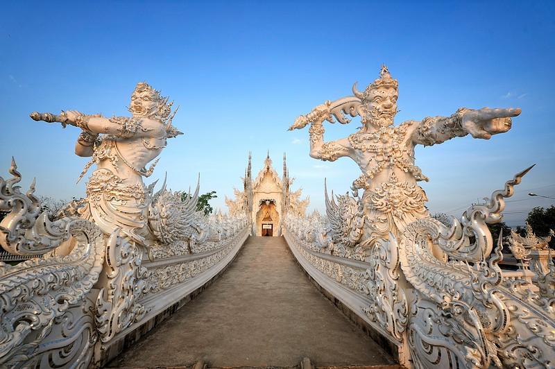 Wat_Rong_Khun_Chiang_Mai.jpg