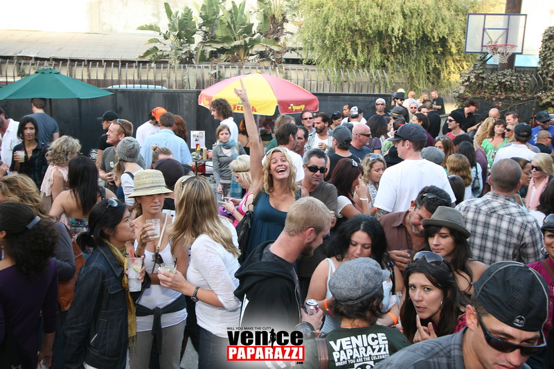 2.  Party at Stronghold 1625 Abbot Kinney Blvd. Venice, CA 90291. Phone (348).JPG