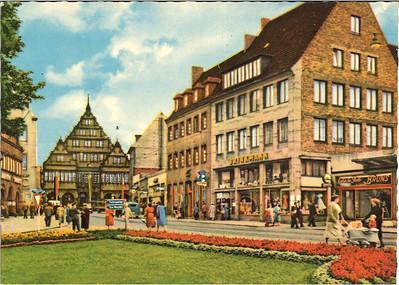 Paderborn, Marienplatz mit Blick auf Rathaus