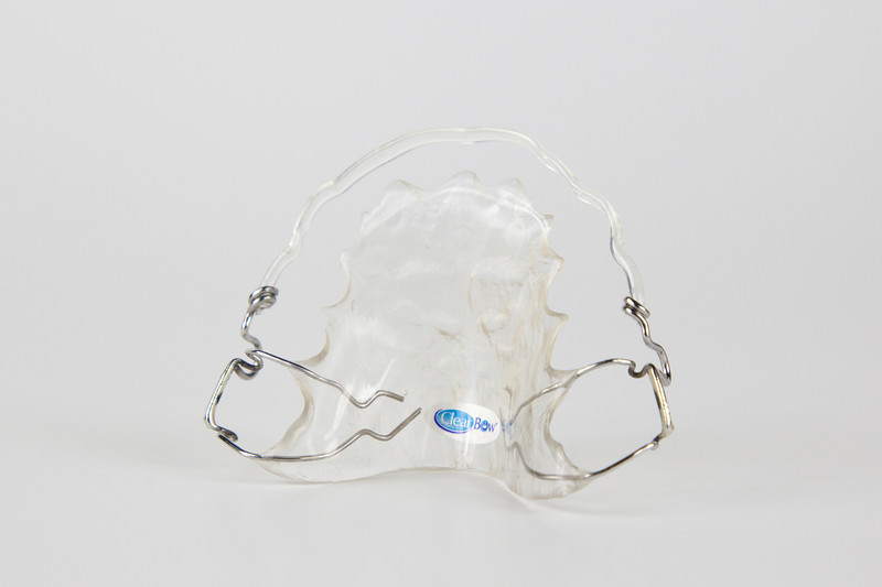 new_plastic_retainer_clearbow_3_300.jpg