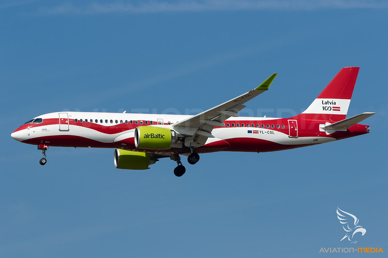 Air Baltic / Airbus A220 / YL-CSL / Latvia Flag