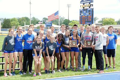 LBHS Teams are NWO's DIII District Track Champions (2018-05-19)