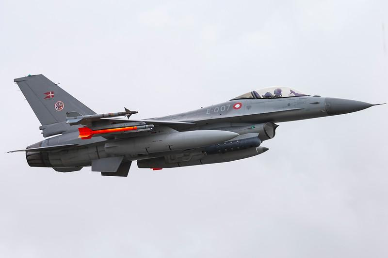 E-007-F-16FightingFalcon-RDAF-STA-EKVJ-2016-08-20-_A7X2590-DanishAviationPhoto.jpg