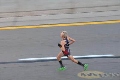 Ren Cen/Tunnel - 2013 Detroit Free Press Marathon