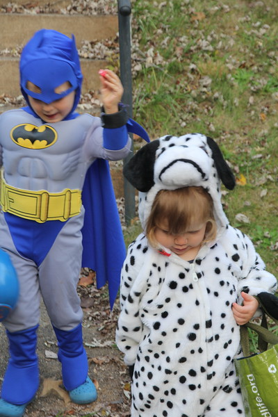 Elliot & Eisley go trick-or-treating