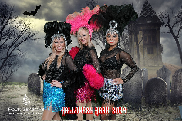 Four Seasons Halloween Greenscreen Photos