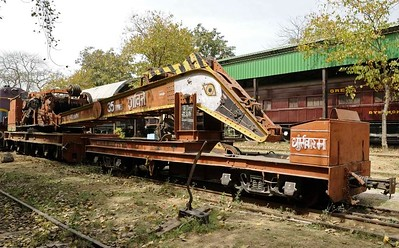 Indian Railway Museum, 2012 - cranes