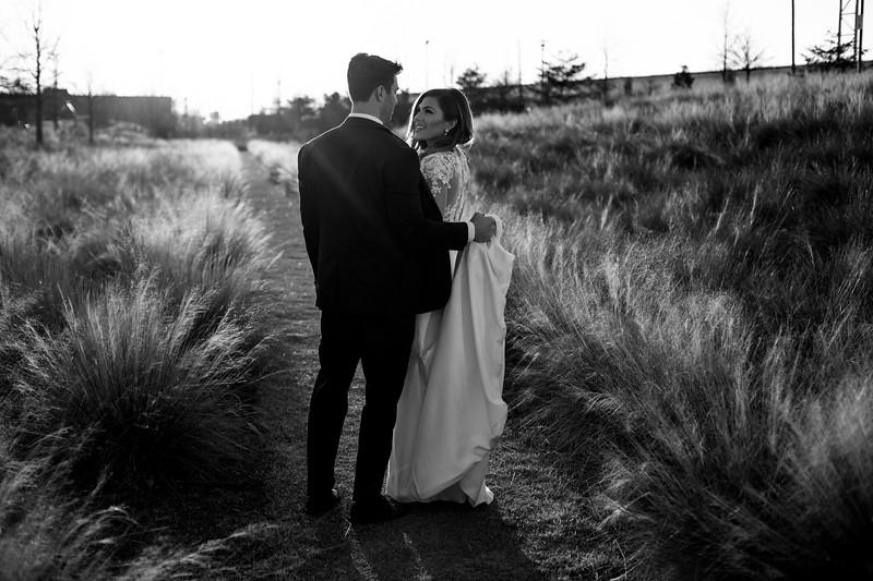 Kate&Josh_B&W_ZACH.WATHEN.PHOTOGRAPHER-426.jpg
