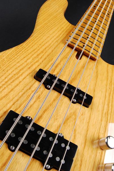 J5 Bass, Aged Natural