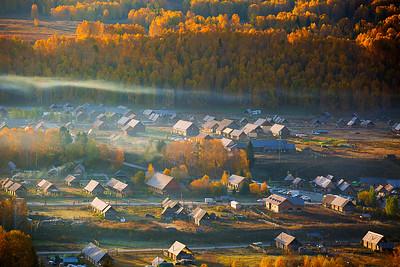 CHINA, Xinjiang, Altay, HeMu Village, Fall Color,新疆,阿勒泰,禾木村,秋色