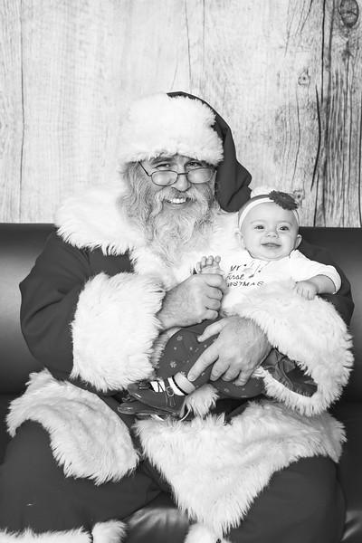 Ameriprise-Santa-Visit-181202-5068-BW.jpg