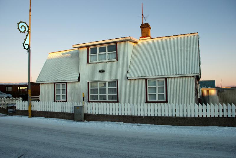 Merkigarður - Eyrargata 42. Byggt 1900
