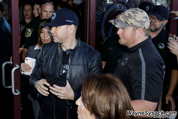 2017-04-06 Wahlburgers Grand Opening - Waterford Lakes
