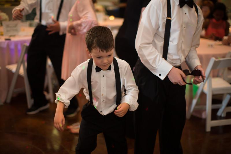 1039_Josh+Lindsey_Wedding.jpg