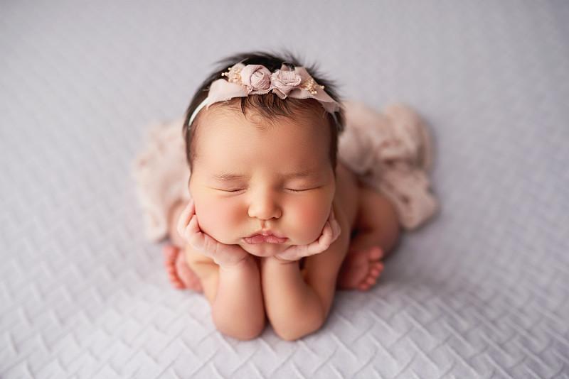 newbornpicturres1816.jpg