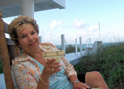 Marge Beach House & Joan Birthday 2007