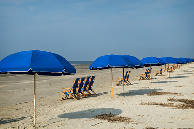 _DSC4080_beach_umbrellas