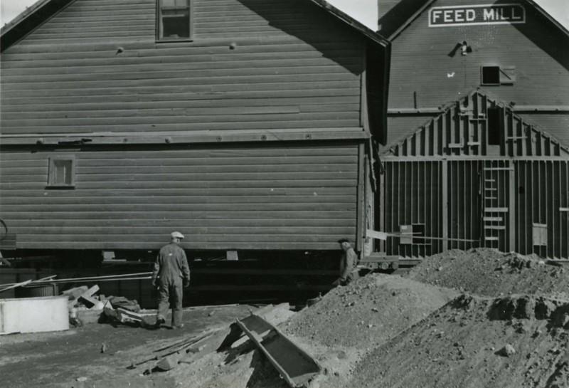 JA031.  Moving Farmers Elevator warehouse - 1939 .jpg