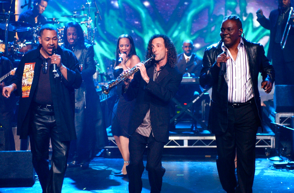 . NYRE 2005 Earth Wind and Fire and Kenny G
