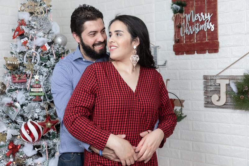 12.21.19 - Fernanda's Christmas Photo Session 2019 - -95.jpg