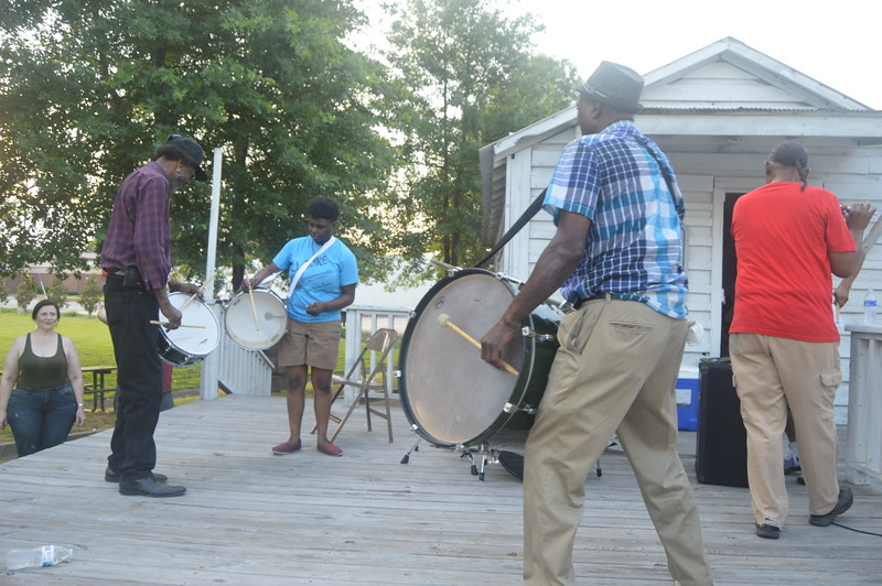 074 The Hurt Family Fife and Drum Band.jpg
