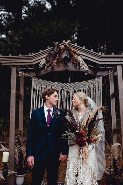 Requiem Images - Luxury Boho Winter Mountain Intimate Wedding - Seven Springs - Laurel Highlands - Blake Holly -1153.jpg
