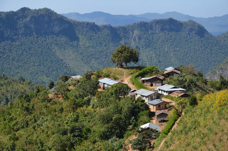 DSC_4185-hill-tribe-village-near-kalaw.JPG