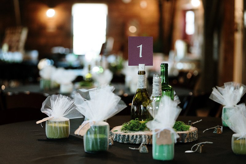 rustic_ohio__fall_barn_wedding-10.jpg