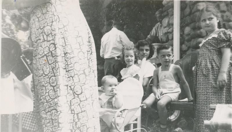 1949 Max,Mike & Janet Sullivan.jpg