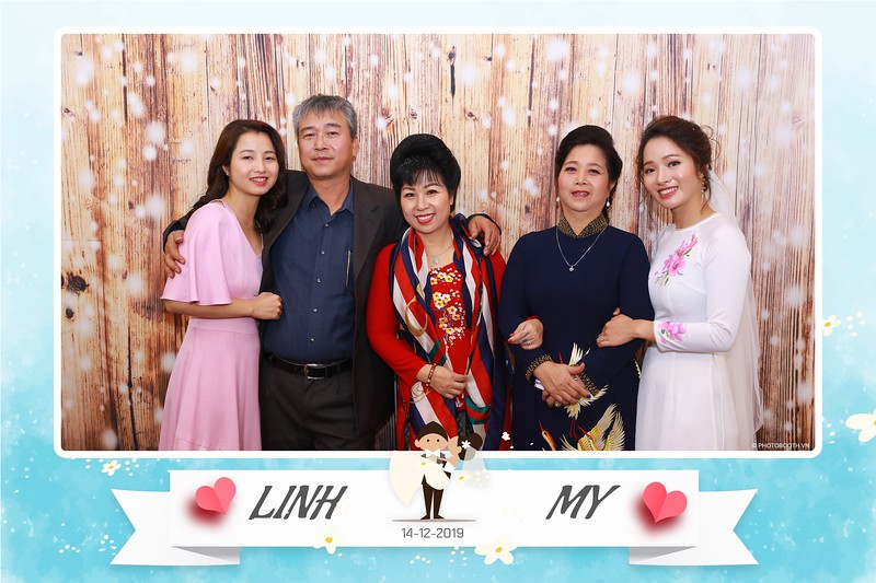 Linh-My-wedding-instant-print-photo-booth-in-Ha-Noi-Chup-anh-in-hnh-lay-ngay-Tiec-cuoi-tai-Ha-noi-WefieBox-photobooth-hanoi-152.jpg