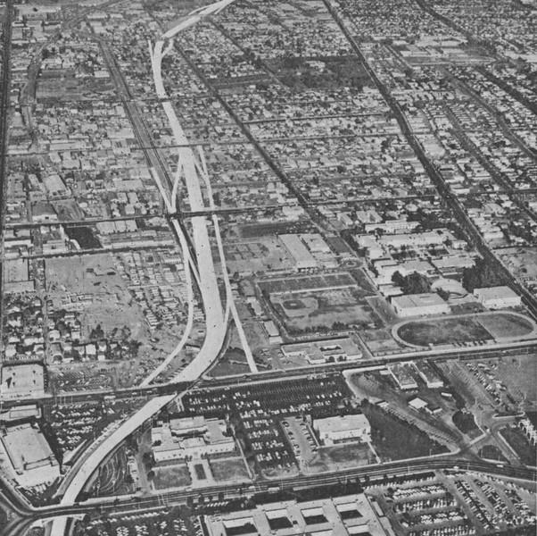 1963-03-04-CAHiPub-26.jpg