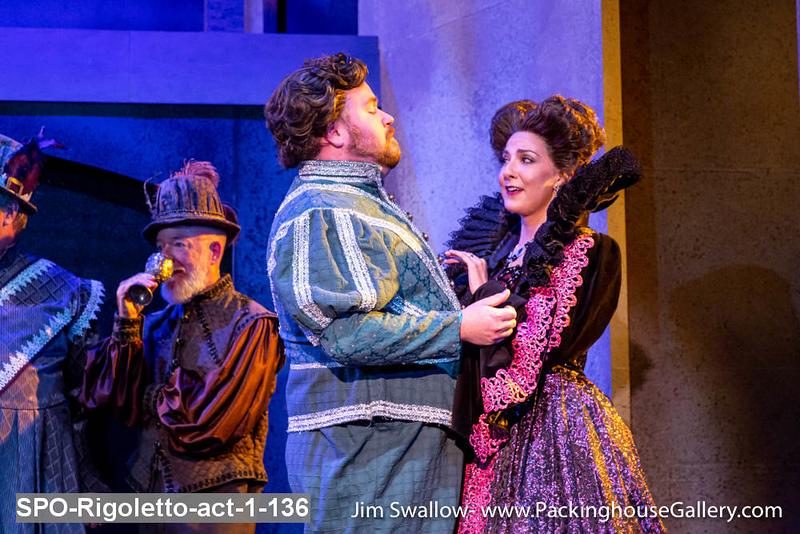 SPO-Rigoletto-act-1-136.jpg