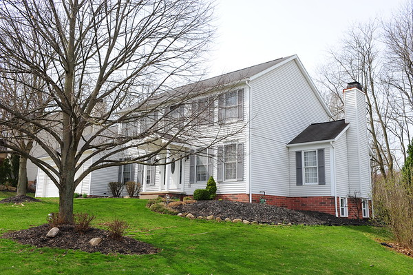 3235 Robins Trace Akron OH