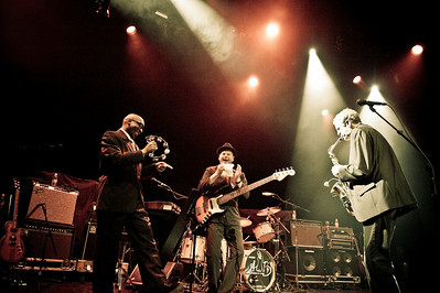 Average White Band - Club Nokia