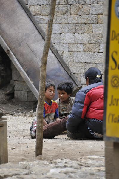 080516 2689 Nepal - Everest Region - 7 days 120 kms trek to 5000 meters _E _I ~R ~L.JPG
