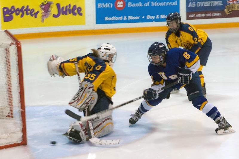20130310 QWHockeyvsUBC 153.jpg