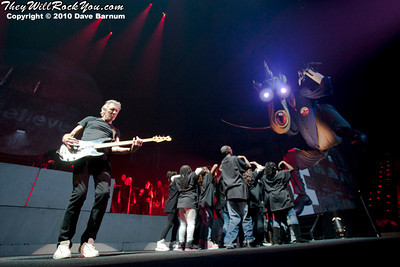 Roger Waters - The Wall<br>October 15, 2010<br>XL Center- Hartford, CT<br>Photos by: Dave Barnum