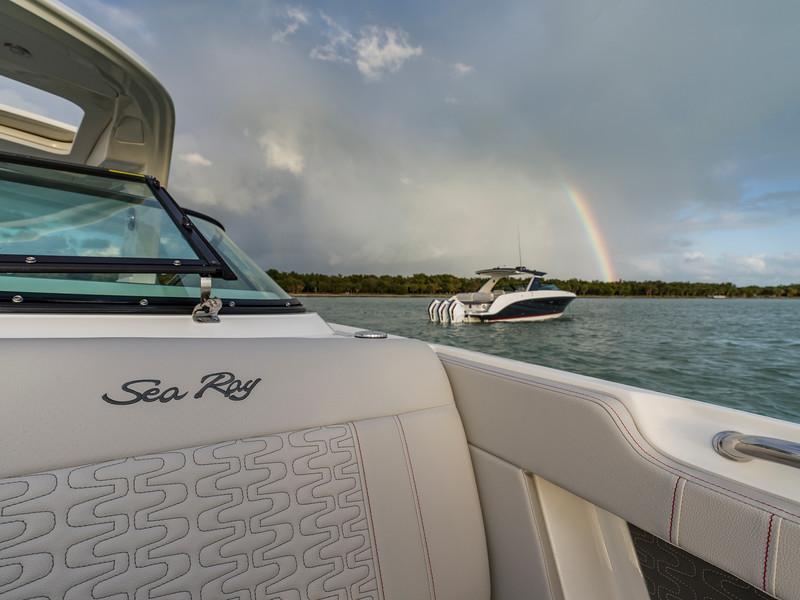 2020-SLX-R-310-outboard-upholstery-02.jpg