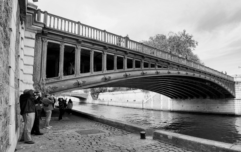 Paris Bridge B&W shot .jpg